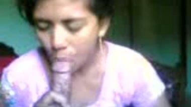 Bangladeshi village bhabhi sucking her lover�s dick on cam