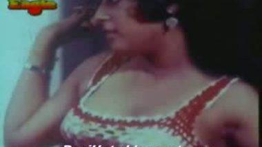 sexy hot arousing indian girls women having sex in bed Mallu xxx masal