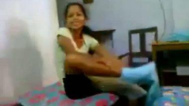 Mumbai amateur bhabhi exposed her naked beauty