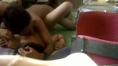 Srilankan teen college girl hidden cam sex with lover on floor