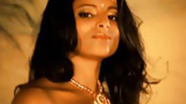 Seduce Me Miss Bollywood