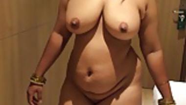 Busty Indian Brown Curvy With Big Boobs MILF