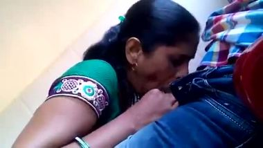 Indian mature auntie blowjob