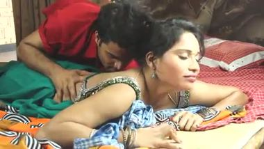 Sexy desi bhabhi's first time sex with her neighbor