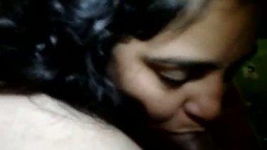 Indian sexy bhabhi Rekha's desi porn