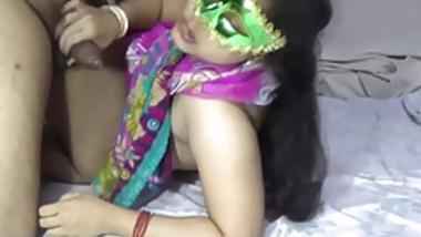 XXX Porn Of Amateur Desi MILF Velamma Bhabhi
