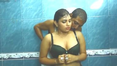 Fair bhabhi taking bath with the plumber