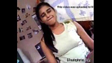 Sexy Sri Lankan girl sucking her brother's dick