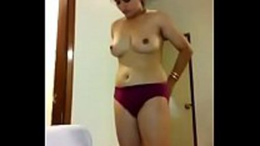 Tamil housewife wearing clothes after the sex