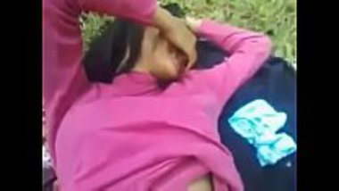 Desi teen having sex with her classmate at the park