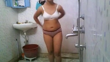 Indian College Babe In Hostel Shower