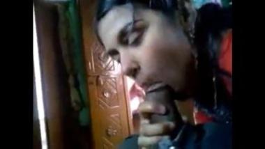 Desi Hot Ladki Enjoying Her First Sex