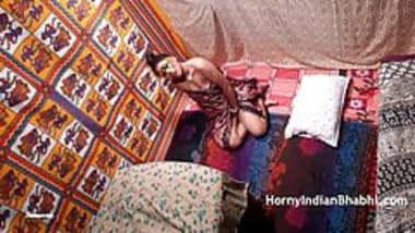 indian bhabhi desperate to get fucked masturbation porn