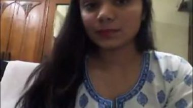 Bangladeshi girl showing pussy on video call