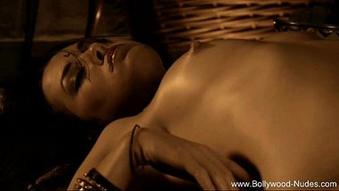 Magnificent Bollywood Babe Nude