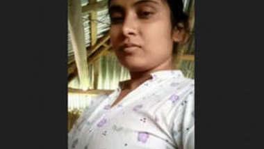 Bengali desi Hot Village Girl Nude And Bathing Videos Part 1
