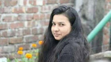 Bangladeshi Cute Girl Leaked Videos Part 1