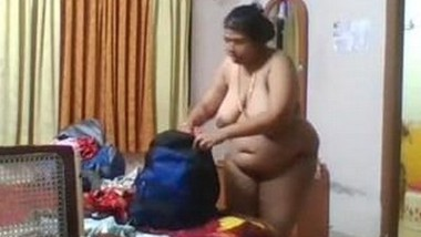 Desi mmalu Bhabi Nude Video Record In hidden Cam