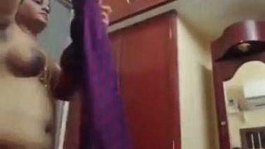 Tamil MILF aunty stayathome dressing video