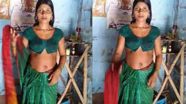 hot housewife bhabhi samhaal kumari navel expose in saree