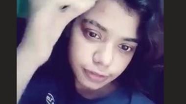 Desi girl fingering