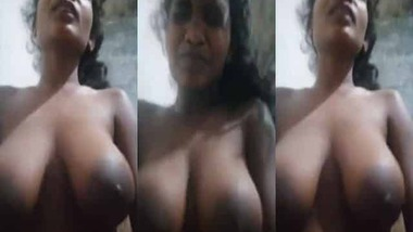 Bouncing Desi big boobs show during sex ride