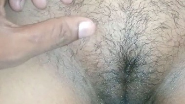 Cute Desi hairy pussy captured naked on cam
